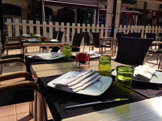 International Restaurant Veni : Out side