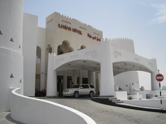 Liwa Hotel : Hotel front
