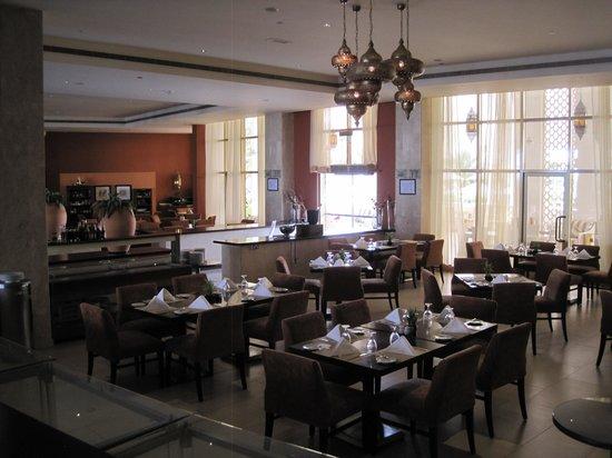 Liwa Hotel : Resturant
