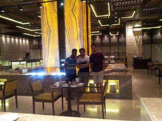Hilton Jaipur: restaurant