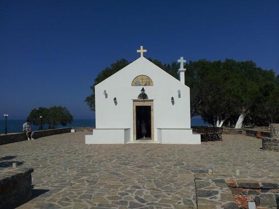Beach Club Aphrodite : Beautiful church always open