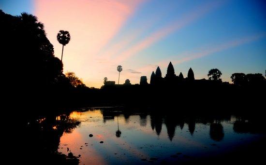 Angkor Wat: Magical colors during Angkor sunrise