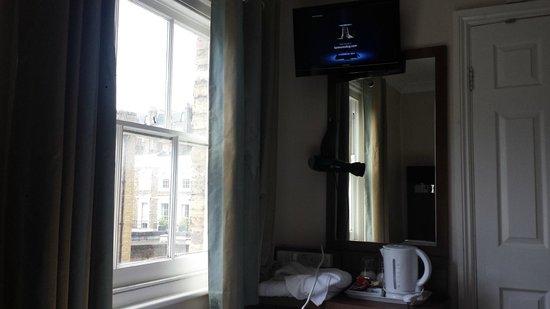 Hanover Hotel Victoria: TV
