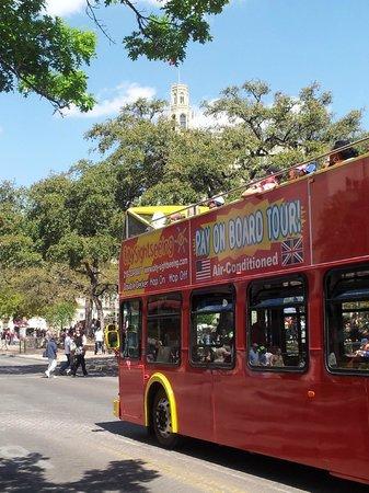 City Sightseeing San Antonio: Departing The Alamo