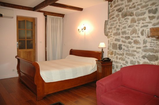 hotel de la tour saint etienne fransa otel yorumlar ve fiyat kar la t rmas tripadvisor. Black Bedroom Furniture Sets. Home Design Ideas