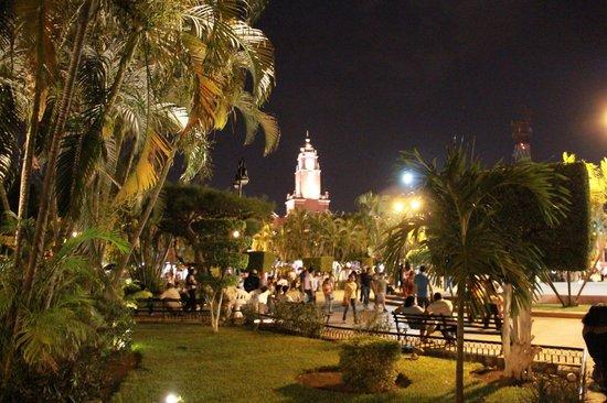 Plaza Grande: Plaza de la Independencia
