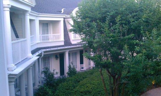 Disney's BoardWalk Inn: Garden view room