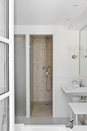 La Villa Clarisse : Salle de bain Suite Premier