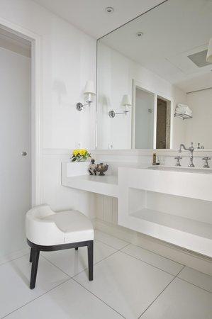 La Villa Clarisse : Salle de bain Suite Deluxe
