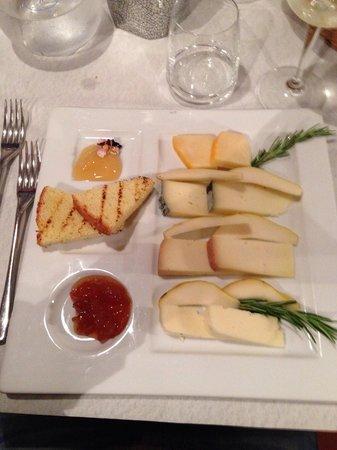 Trattoria il Rifugio: Misto di formaggi con miele e marmellata