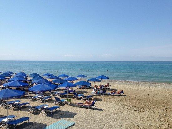 Iperion Beach Hotel : plage