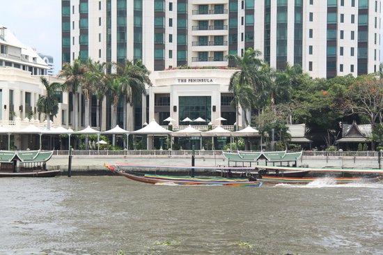 The Peninsula Bangkok: vue du fleuve