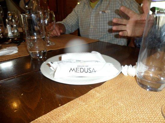 House of Medusa : finalizada la comida