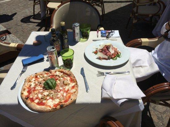 Lo Zodiaco: Lunch