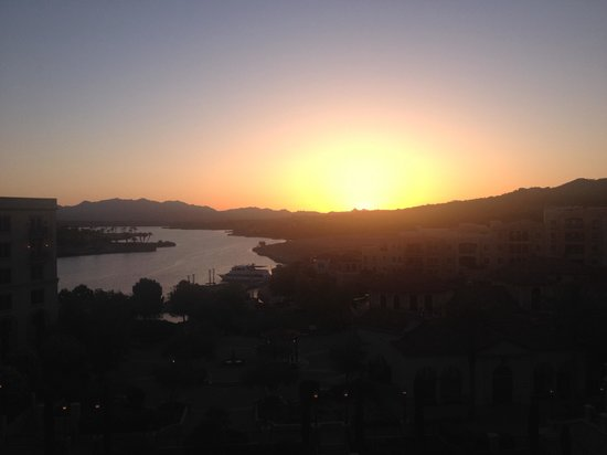 Hilton Lake Las Vegas Resort & Spa: Sunrise
