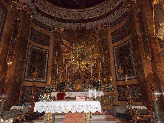 Santa Maria della Vittoria: The entire church is beautiful