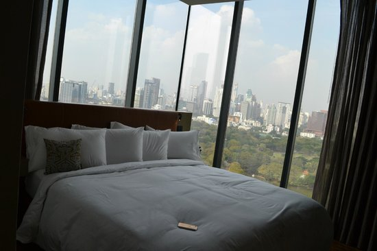 SO Sofitel Bangkok: the wood element room outstanding views of the city