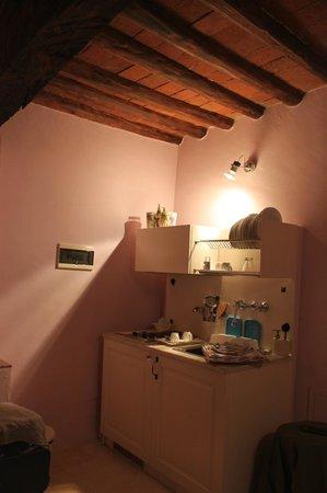 Tenuta Lonciano: part of room