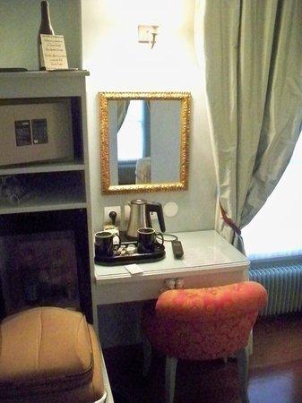 Hotel Louvre Bons Enfants: room2