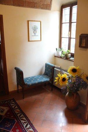 Hotel Villa La Cappella: Sitzecke im Eingangsbereich
