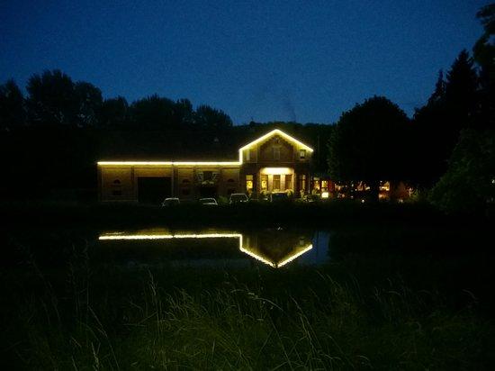 Restaurant de L'Ecluse 16: By Night