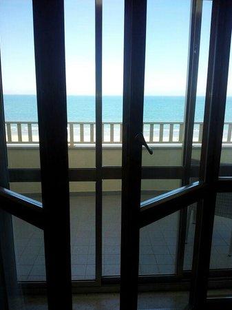 Hotel Touring: ons uitzicht, dubbele deuren op de kamer