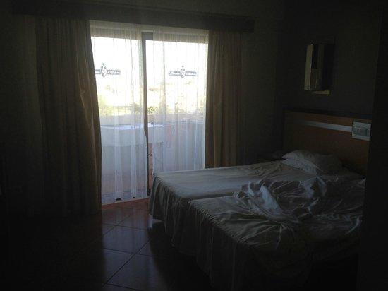 Hotel Paraíso de Albufeira : the bedroom