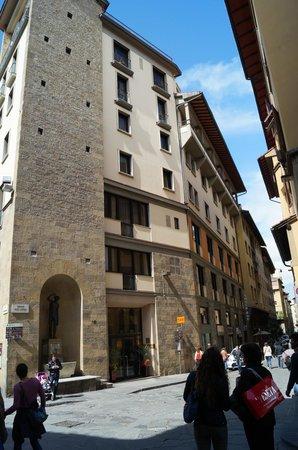 Pitti Palace al Ponte Vecchio: Вход в отель