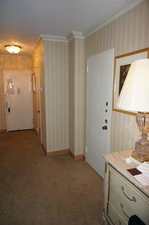 Park Lane Hotel: Verbindungstür im Zimmer