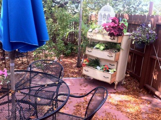 Sweet Savannah's: Le jardin derrière la boutique !