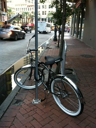 Buzz Nola Bike Tours and Rentals: Cruiser with lock (helmet not pictured).