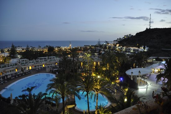 Gloria Palace San Agustín Thalasso & Hotel: Night view from our room