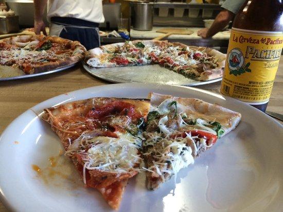 Village Idiot Pizzeria: Our setup at the bar