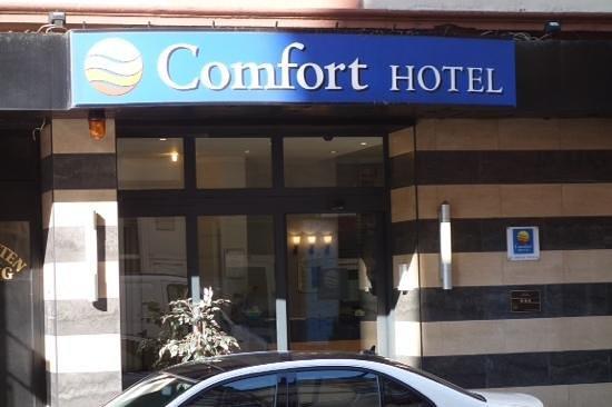 Comfort Hotel Frankfurt Central Station: front