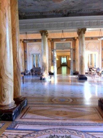 Club Med Vittel le Parc: Hall de l'hôtel