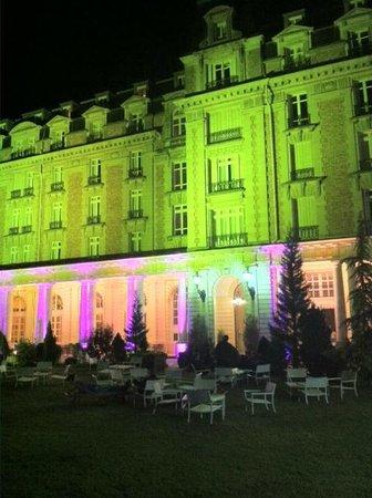 Club Med Vittel le Parc : Vue de l'hôtel de nuit