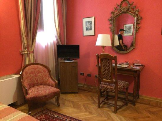 Hotel Monna Lisa: Bedroom