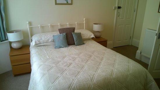 Sea Breezes : Room No.4 Bed