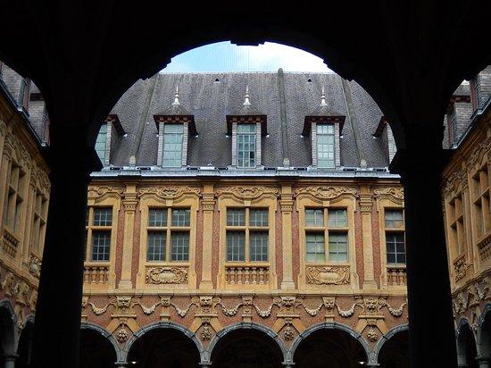 vieille bourse lille - cortile interno 2