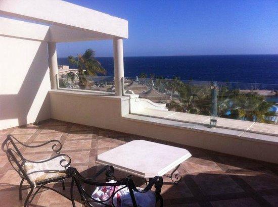 Citadel Azur Resort : Это наш балкон и вид из него