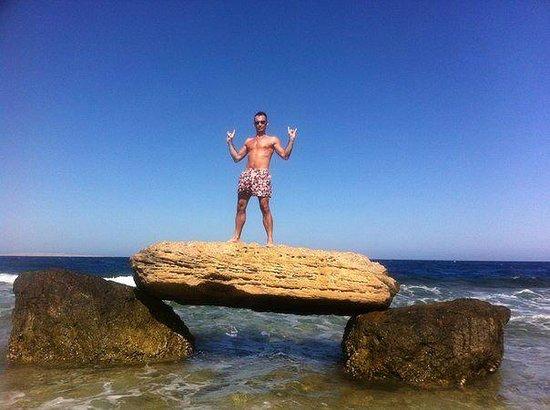 Citadel Azur Resort : Пляжный натюрморт:-))