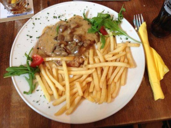 Cafe Extrablatt: schnitzel