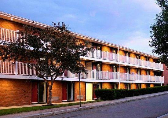 Bradford Inn & Suites
