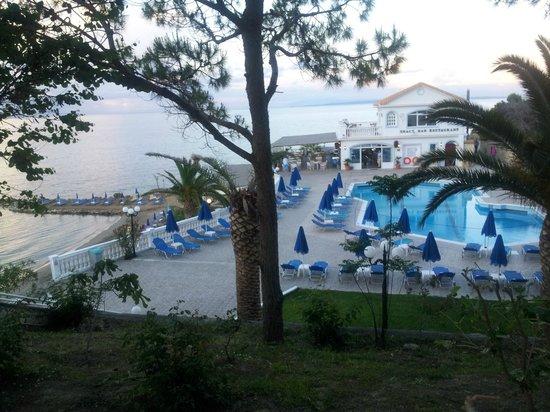 Sentido Alexandra Beach Resort: swimming pool, seen from our room