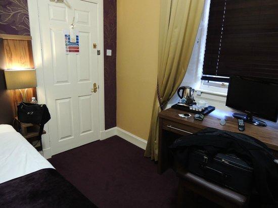 The Ballantrae Hotel: Camera
