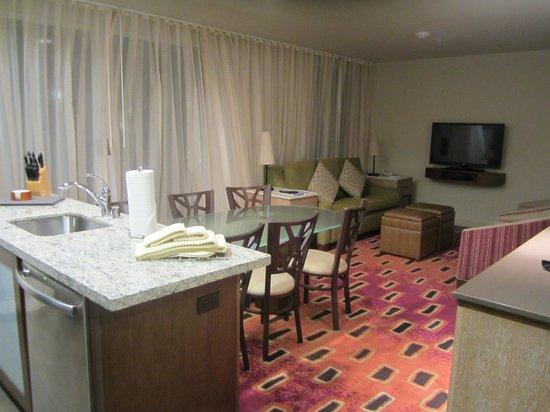Marriott's Shadow Ridge II- The Enclaves: Living room area