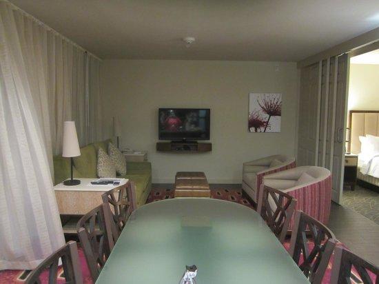 Marriott's Shadow Ridge II- The Enclaves: Living Room