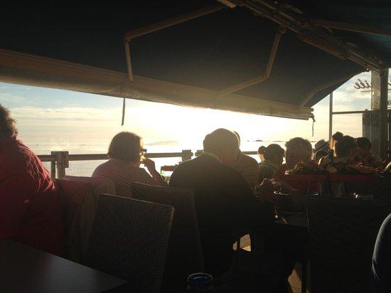 Jean De La Criee : Vue sur mer a 21h