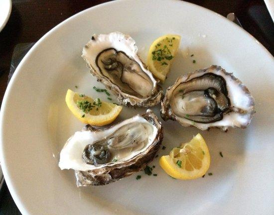 Stravaigin Scotland: Great seafood; Hebrides oysters