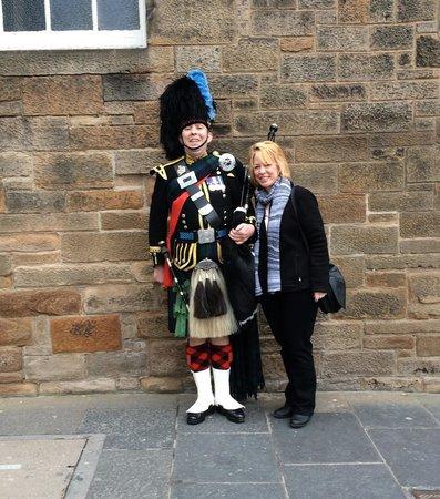 Stravaigin Scotland: Can't get enough of those men in kilts